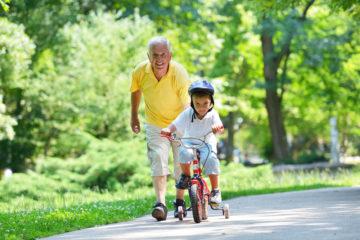 Čo všetko by ste mali vedieť pred tým, ako svojmu dieťaťu kúpite bicykel?