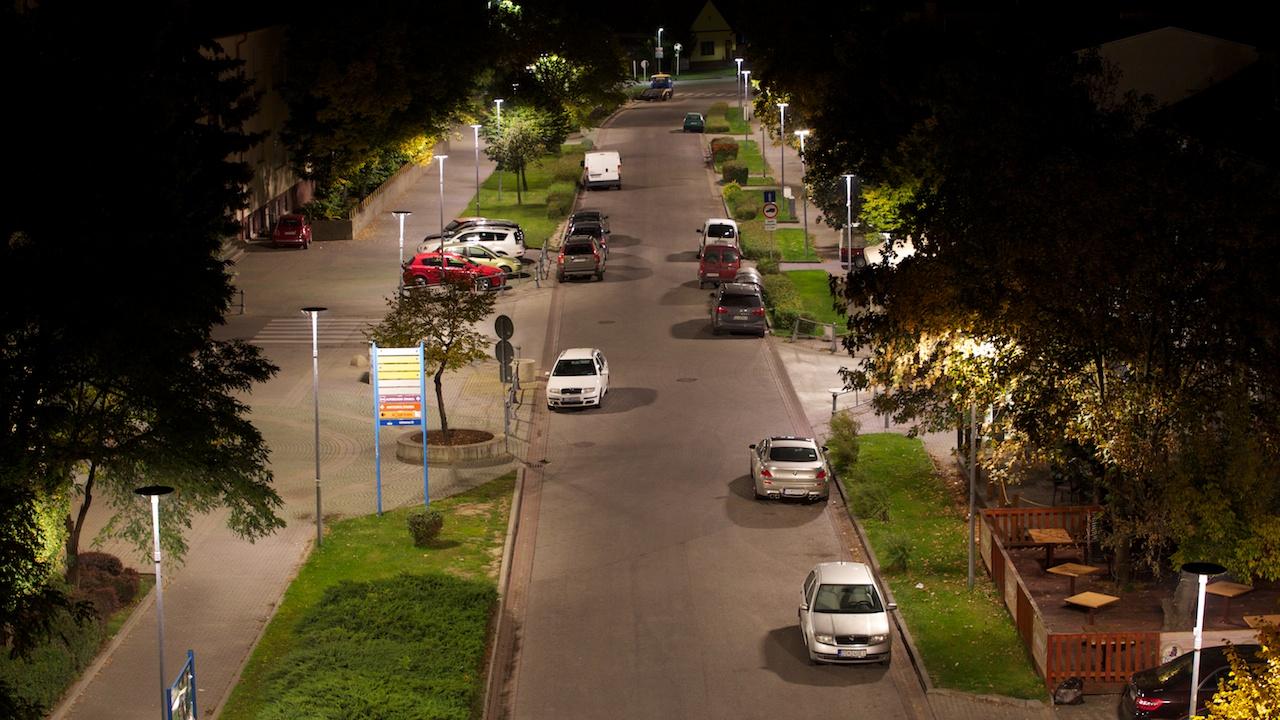 Kvalitné osvetlenie cestných komunikácií