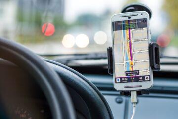 Tipy, ako vybrať držiak na mobil do auta